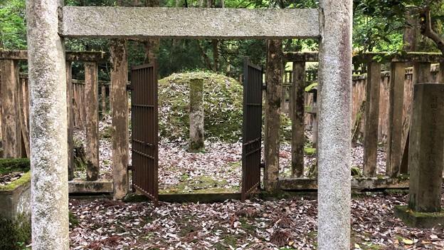 加賀藩前田家墓所(金沢市 野田山墓地)6代吉徳側室 以與墓