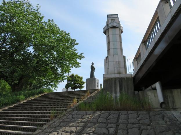由利公正像(福井市)