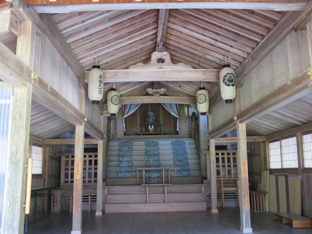 若狭姫神社(若狭彦神社下社。小浜市遠敷)本殿