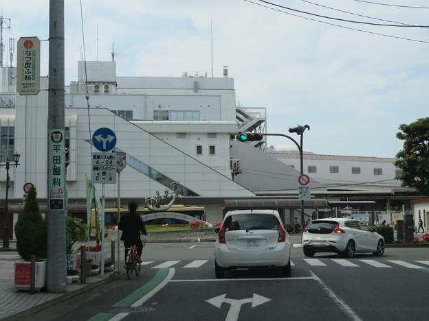 茅ヶ崎駅南口・県道310号 雄三通り(茅ヶ崎市)