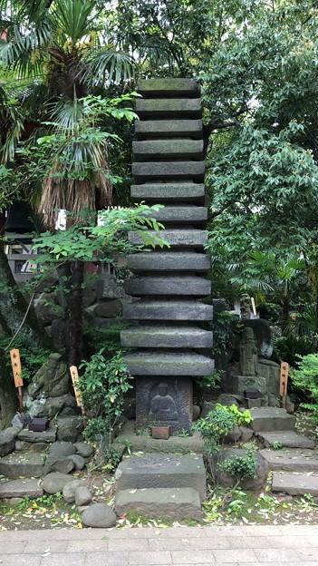 品川寺(南品川)十三重石塔