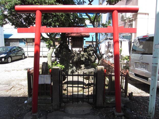 Photos: 鬼子母神前駅前(豊島区)小祠