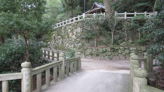 Photos: 枚岡神社(東大阪市)南鳥居