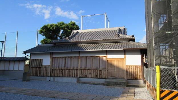 Photos: 貝塚御坊 願泉寺(貝塚市)井戸屋形?