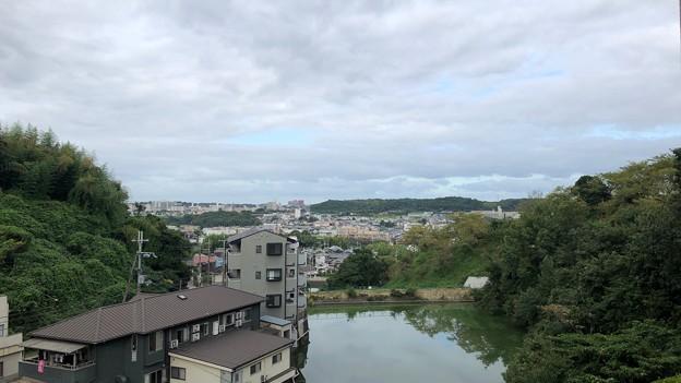 グランドホテル二葉(富田林市)より西