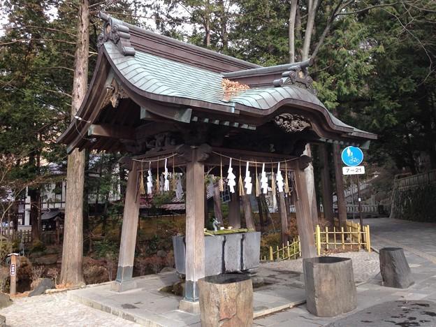 Photos: 諏訪大社 下社秋宮(下諏訪町)手水舎