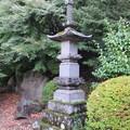 Photos: 温泉寺(諏訪市)宝篋印塔