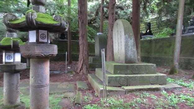 温泉寺(諏訪市)諏訪家墓所