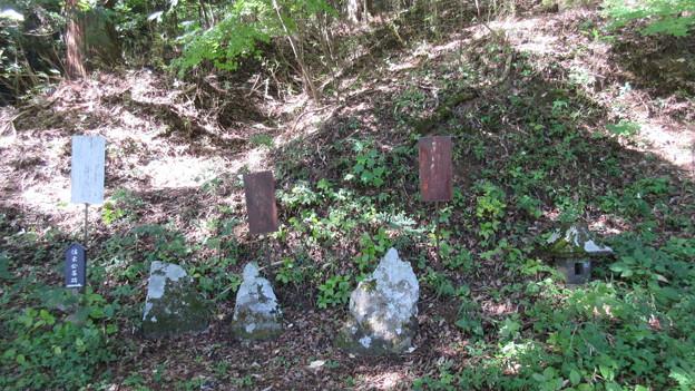 法華寺/上社神宮寺跡(諏訪市)墓碑