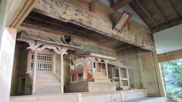 Photos: 徳音寺(木曽町)小祠3