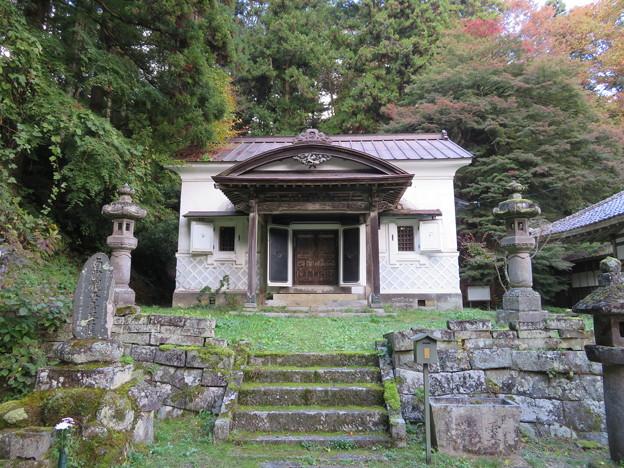 大隣寺(二本松市)御霊屋