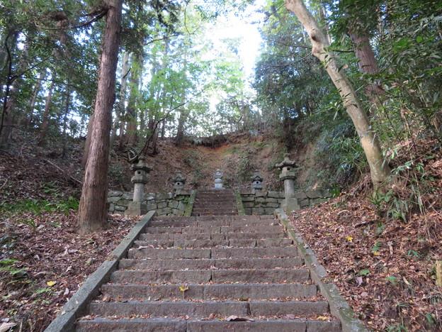 大隣寺(二本松市)二本松藩主丹羽家累代墓所(9代長富)