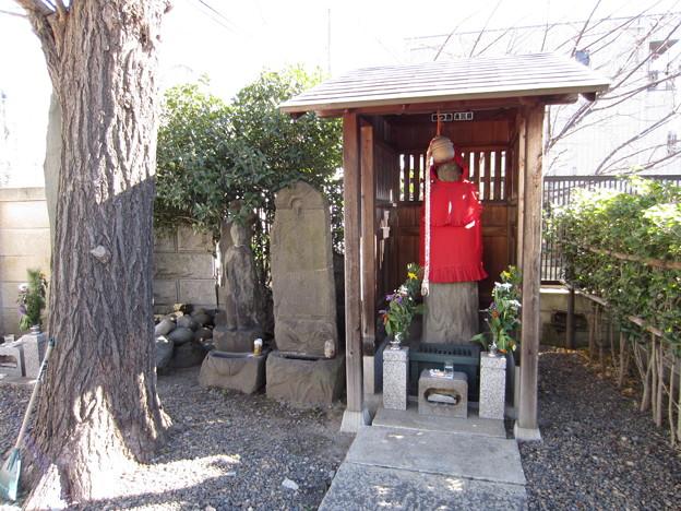 地蔵山(旧上尾久村共同墓地。荒川区西尾久)庚申塔