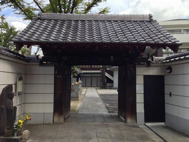 浄閑寺(南千住2丁目)山門