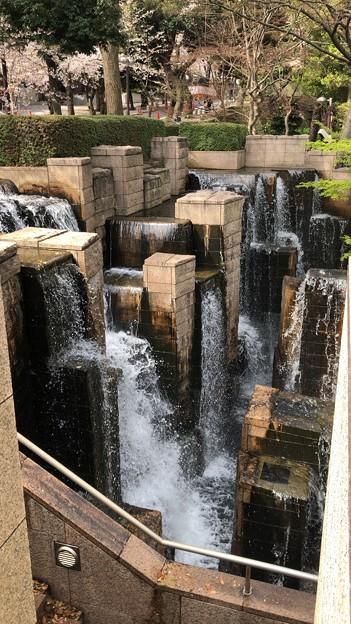 20.03.30.御殿山(品川区)御殿山庭園の滝