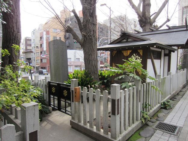 鳥越神社(台東区鳥越)祖霊社