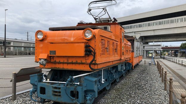 トロッコ電車(黒部宇奈月温泉駅・新黒部駅前)