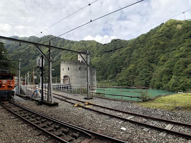 黒部峡谷鉄道 新柳原発電所(黒部市)