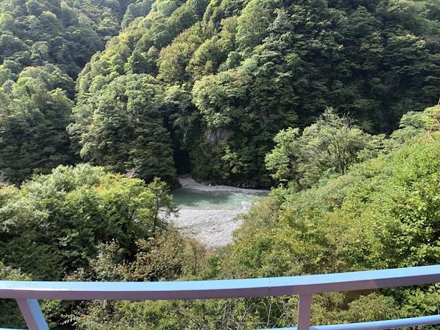 黒部峡谷鉄道 仏石(黒部市)