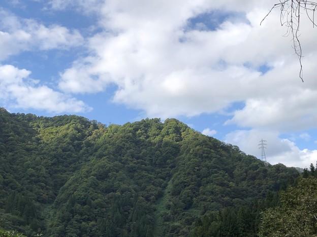 Photos: 黒部峡谷鉄道 平和の像アップ(黒部市)