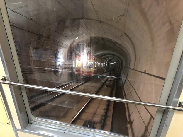 黒部ケーブルカー トンネル内(立山町)