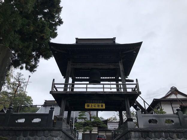 松巌寺(長野市鬼無里)鐘楼門