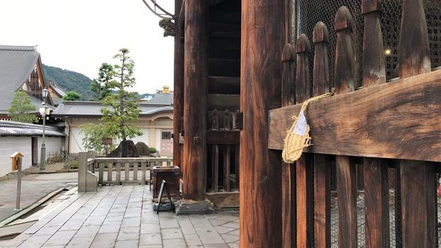 善光寺(長野市元善町)仁王門