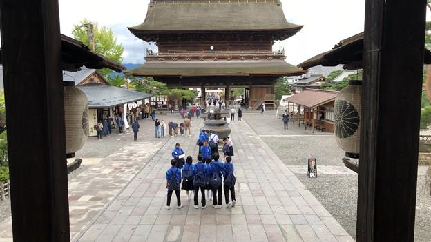 Photos: 善光寺(長野市元善町)本堂
