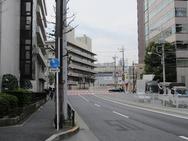 加納備中守下屋敷跡(墨田区横網2丁目)蔵前橋通り