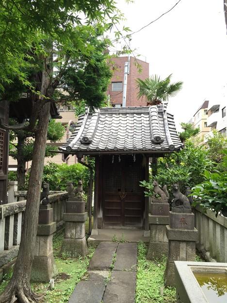 Photos: 野見宿禰神社(墨田区亀沢2丁目)稲荷社