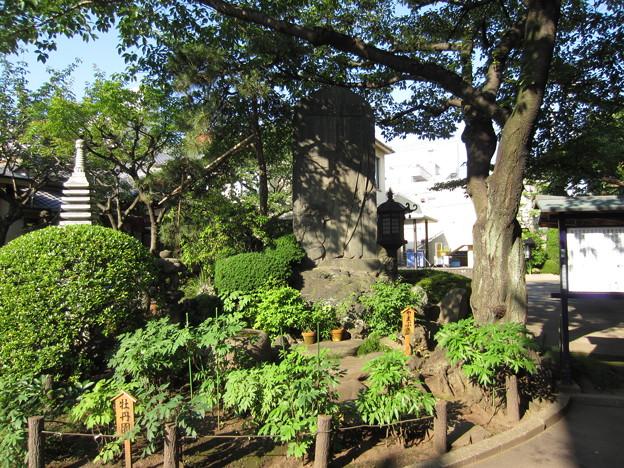 法恩寺(墨田区太平1丁目)道灌公記念碑
