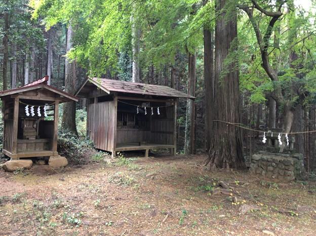 戸倉三島神社(あきる野市)末社小祠