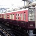 写真: 阪急電車8000系