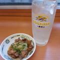 Photos: 日高屋でお酒に やきとり&レモンサワーで(^_^)/□☆□\(^_^)