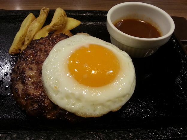 ステーキガスト 目玉焼きハンバーグ ランチ