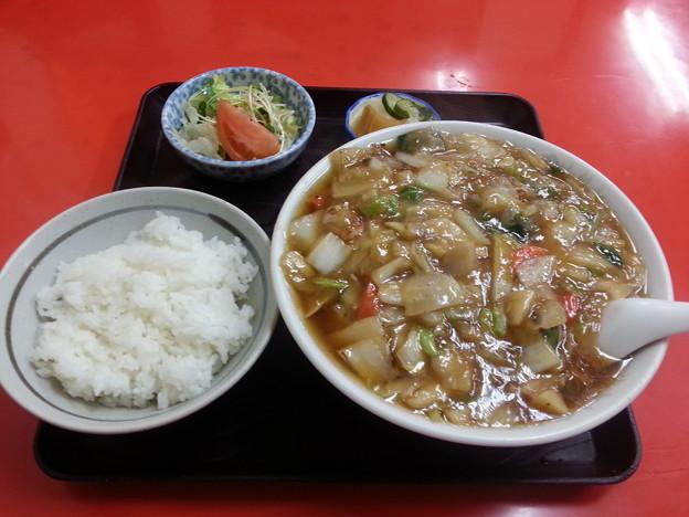 金龍 広東メン&半ライス サラダ お新香付き(^-^)
