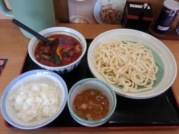 山田うどん  夏野菜のピリ辛つけ汁うどん 大盛り& ライス(小)