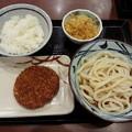 写真: 丸亀製麺 ぶっかけ(冷) ハムカツ&ご飯