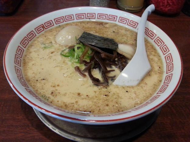 哲麺 八王子店  豚骨醤油 味玉ラーメン