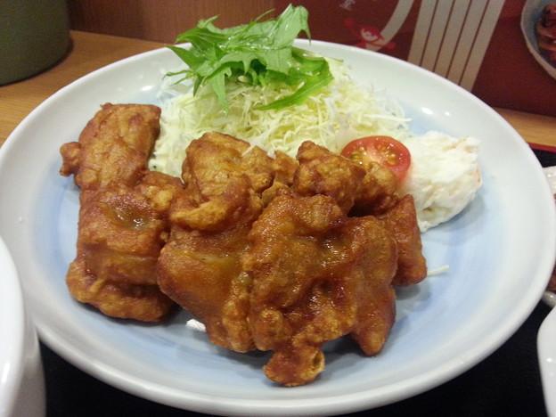 唐揚げ 3種のタレで味わいて美味しいデース(^-^)v