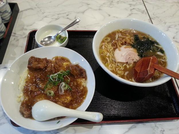 Photos: 牛すじチャーハン&ラーメン 杏仁豆腐