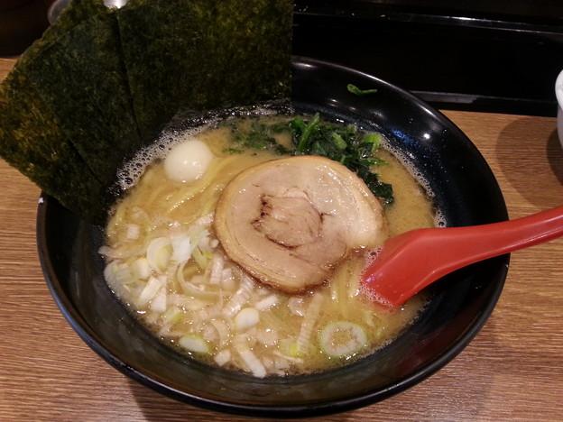 ここの 横浜家系ラーメン 美味しいo(^o^)o
