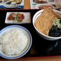 Photos: 山田うどん きつねそば ライス から揚げ