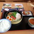Photos: 冷やしピリ辛 坦々風つけ麺 ライス  唐揚げ