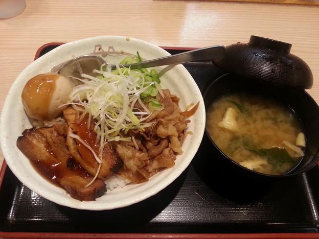 松屋 豚角煮丼