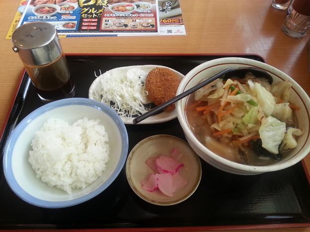 山田うどんで飯デース(*^^*)