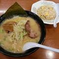 Photos: 北海道らーめん おやじ 味噌ラーメン 半チャーハン