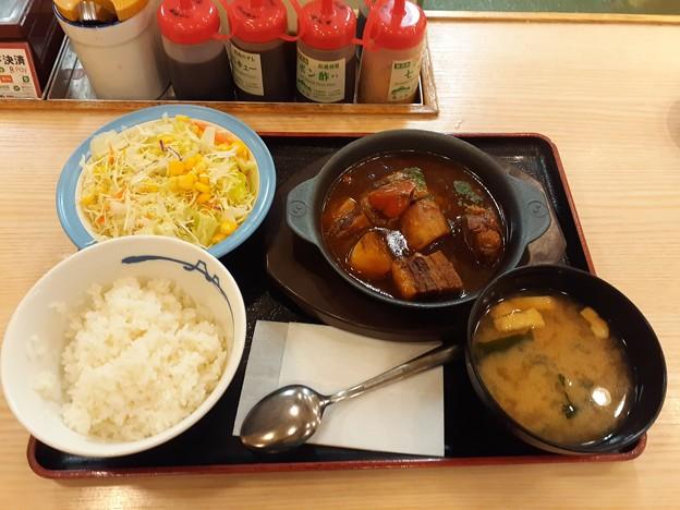 松屋 ビーフシチュー定食生野菜セット