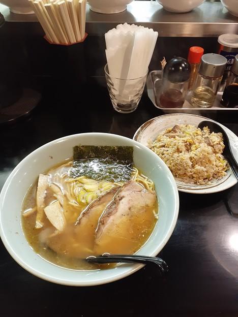 麺工房楓 醤油ラーメン 半チャーハン