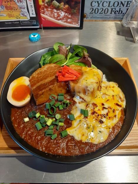 角煮カレー 大盛り 焦がしチーズ  美味しいo(^o^)o